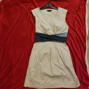 BCBG MAXAZRIA Dress with pockets
